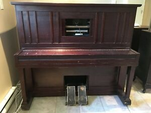 Player Piano-Cabinet and Rolls