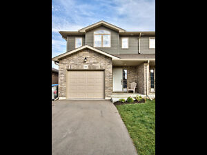 Immaculate Semi-Detached in St. Marys