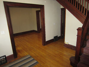 LARGE TWO BEDROOM AVAILABLE London Ontario image 8