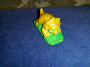 TRICERATOPS-BURGER KING PULLBACK TOY-THE LAND BEFORE TIME-1997