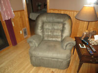 Reduced . 2 reclining chairs, 1 love seat