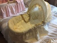 MOSES BASKET IN WHIT GOOD CONDITION