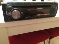 Pioneer DEH-X3500 car stereo. Excellent condition