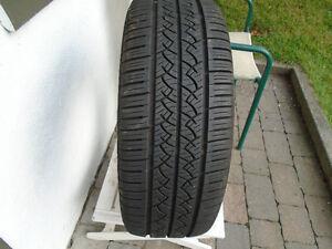1 pneu d'été 205-55-16 et 1 pneu 205-50-17