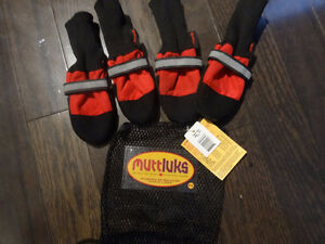 Muttluks Red Winter Fleece Lined Dog Boots Size Small