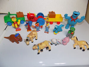 Vintage Sesame Street Farm with characters and accessories Kitchener / Waterloo Kitchener Area image 4