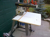 DeWalt, AMAZING CONDITION Radial Arm Saw & router combo