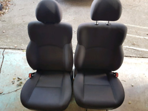 2000 to 05 Dodge Neon driver and passenger seats
