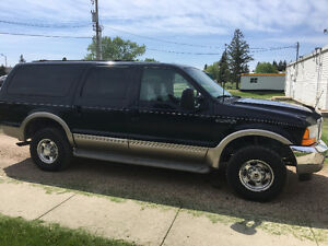 Ford Excursion Limited Black AWD / 4WD