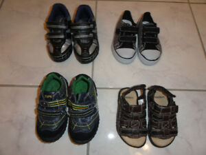 NEW!   BOY'S RUNNING SHOES