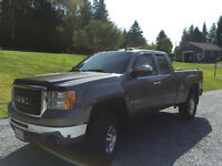 !! LIKE NEW 2009 GMC Sierra 2500HD SLE (MUST SELL)!!