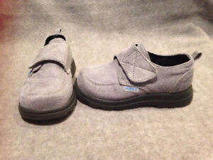Toddler boys 7 shoes