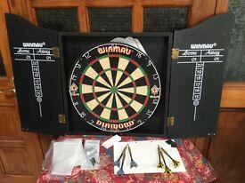 Professional Dartboard + Set - Winmau complete unused.