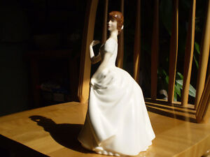 "Royal Doulton Figurine - "" Patricia "" - HN2715 Kitchener / Waterloo Kitchener Area image 2"