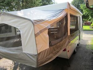 BEAUTIFUL Palomino Model 6147 Camping Trailer