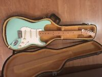 Fender classic series 50s strat with hard case