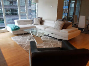 Downtown Luxurious 2BR/2BATH/2PARKING Condo