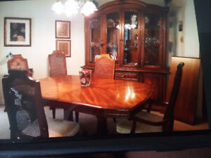 Dining Room Table 6 Chairs Two Leaves And Hutch