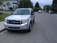 **PRICED TO SELL** 2011 Ford Escape XLT w\ extended warranty