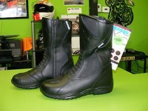 OXFORD - Waterproof Boots - Two Types - Various Sizes at RE-GEAR Kingston Kingston Area image 7