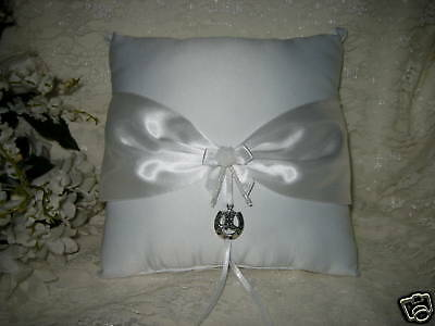 Western Wedding Supplies HORSESHOE BOOT RING PILLOW