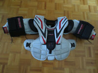 Vaughn Vision 9200 Jr-S Goalie Chest-Arm Protector MUST SELL !!!