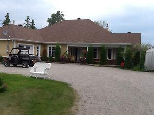 Maison bord de l'eau Lac Kénogami Saguenay Saguenay-Lac-Saint-Jean image 4