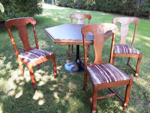 GREAT DEAL!  SOLID OAK CHAIRS & TABLE
