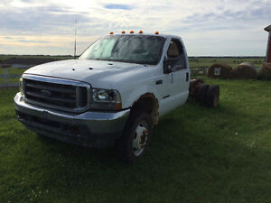 2002 Ford F-450 XLT Pickup Truck for parts