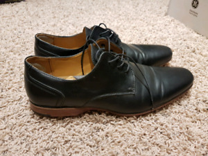 Dress shoes worn once