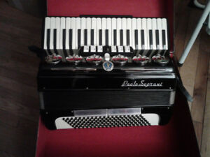 Accordéon piano 120 bass Paolo Soprani