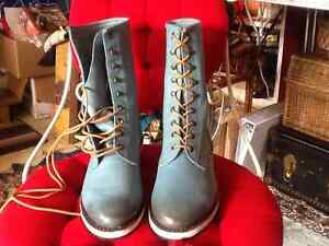 GEE WAWA Womens leather boots brand new doc marten style