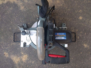 """Scie a onglets 10"""" King Canada mitre saw"""