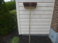 ROUGH SURFACE PUSH BROOM IN EXCELLENT CONDITION