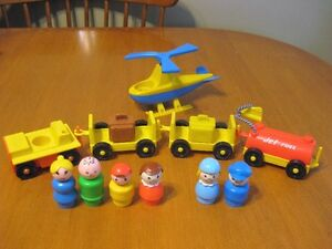 VINTAGE FISHER PRICE LITTLE PEOPLE AIRPORT LOT