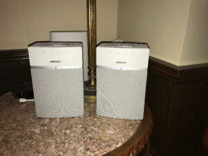 2 Bose SoundTouch 10 Wireless Speakers White
