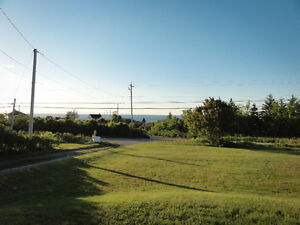 Waterview Acreage with Updated Home, 12 Minutes from Sydney