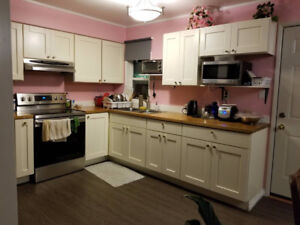 BEAUTIFUL FURNISHED BEDROOM for FEMALE STUDENT ONLY
