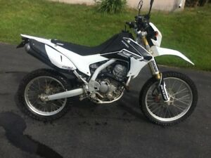 2014 Honda Crf250l street and trail **mint