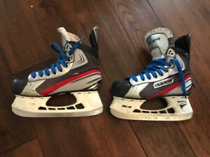 Bauer hockey skates shoe 3.5