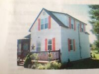 ***Cozy two story little house only 5min. from 7mile beach***