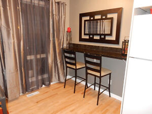 Calgary townhome, Ranchlands - Completely Renovated Downtown-West End Greater Vancouver Area image 6