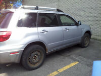2006 Mitsubishi Outlander SUV- Leather seats, sunroof, mp3