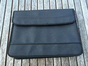 "Noteworthy Laptop Sleeve 18"" Diagonally - NEW"