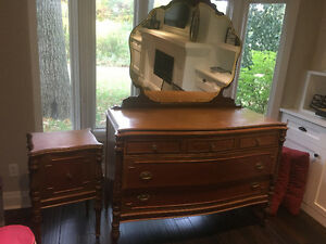Antique dresser and table London Ontario image 2