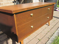 gorgeous mid century chest / coffee table / foot rest