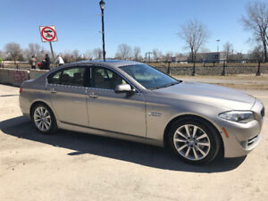 BMW 528 X DRIVE * SPORT PACKAGE * NAVI * ENTERTAINEMENT SYSTEM