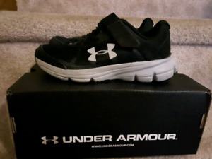 Boys Under Armour runners - new. Size 12