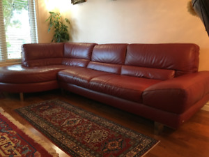 Italian top grain leather natuzzi sectional sofa couch like new