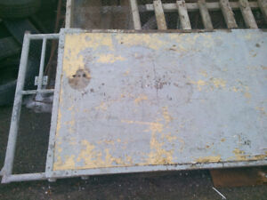 5 barrières pour faire des clos à animaux. tél: 418-274-2100